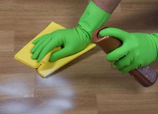 Очистка линолеума от пятен